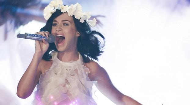 Katy Perry reunites with ex Rob Ackroyd | MarkMeets News |