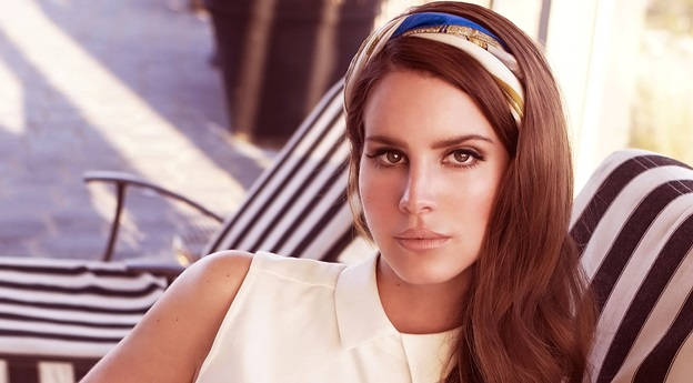 Lana Del Rey only writes for herself | MarkMeets News |