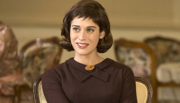 Lizzy Caplan reuniting with Seth Rogen in Christmas comedy film | MarkMeets Movie News |