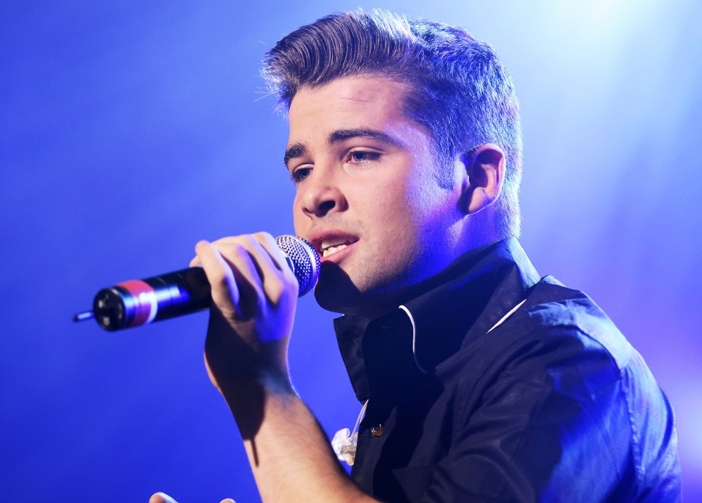 Joe Mcelderry Releases Wonderful Dream Holidays Are Coming
