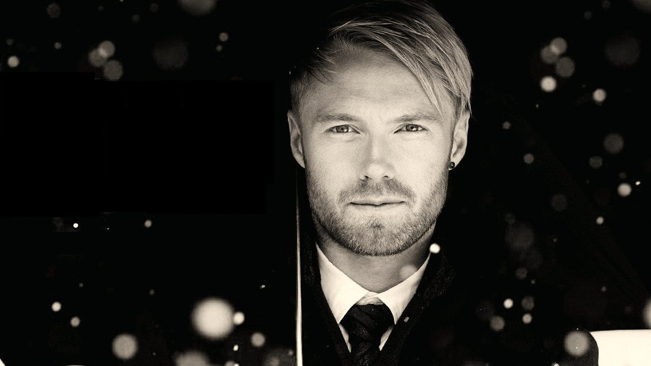 ronan keating doesn t have time to buy christmas  ts