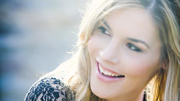 Jennifer Paige Interview - MarkMeets | Entertainment