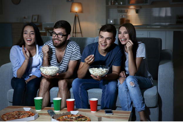 7 Tips for the Perfect Movie Night with Friends | MarkMeets |  Entertainment, Music, Movie and TV News
